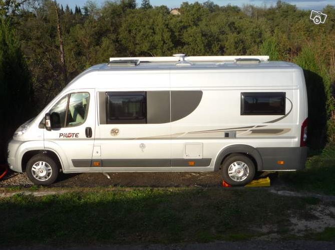 fourgon mercedes amenage camping car occasion